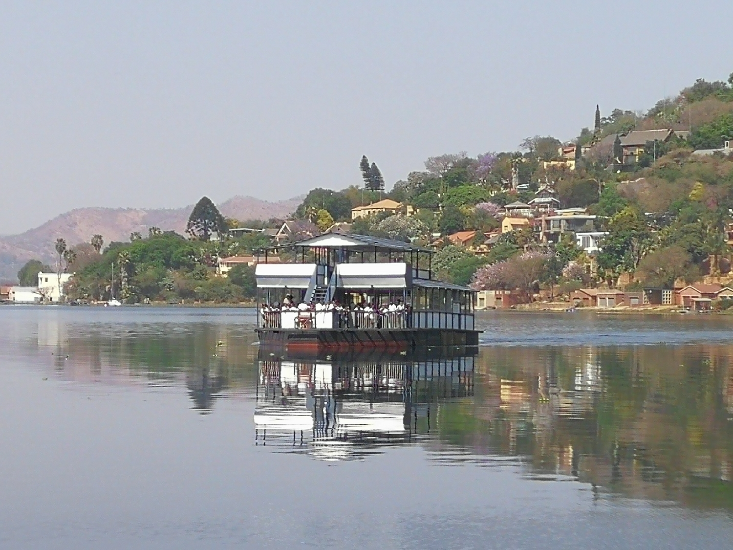 boat-cruise-on-hartbeespoort-dam